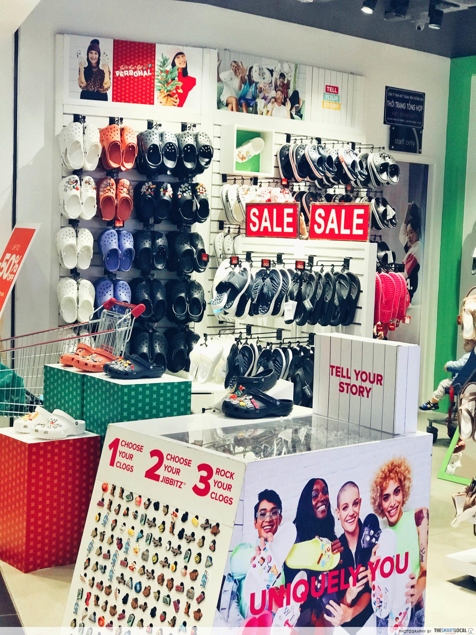 AEON MALL fashion accessories