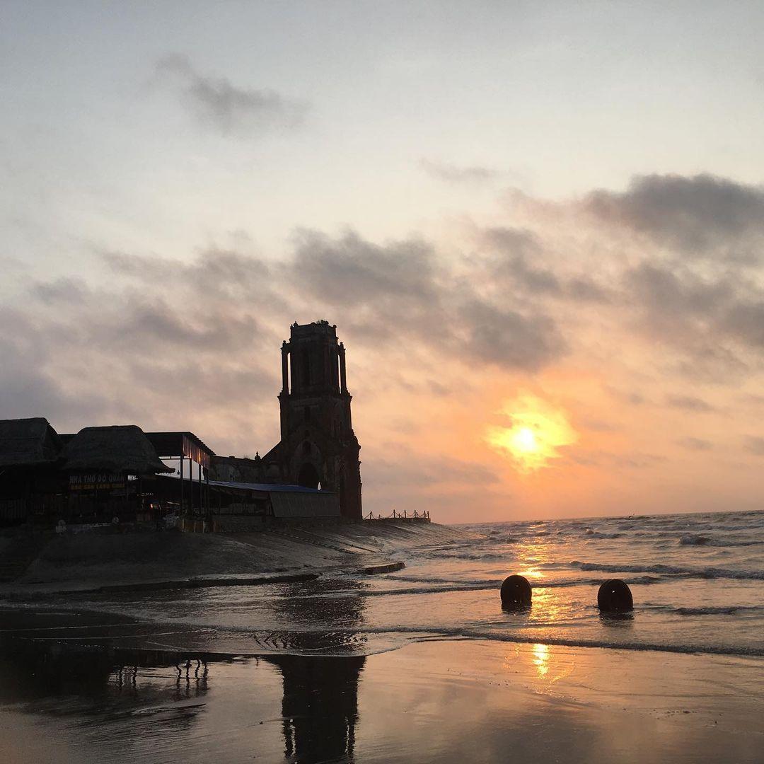 beautiful abandoned places - Hai Ly church at dawn