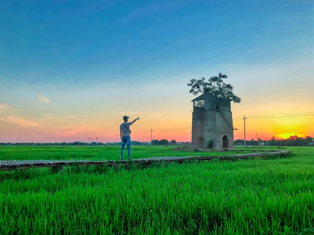 beautiful abandoned places - Quang Nam brickyard with rice field