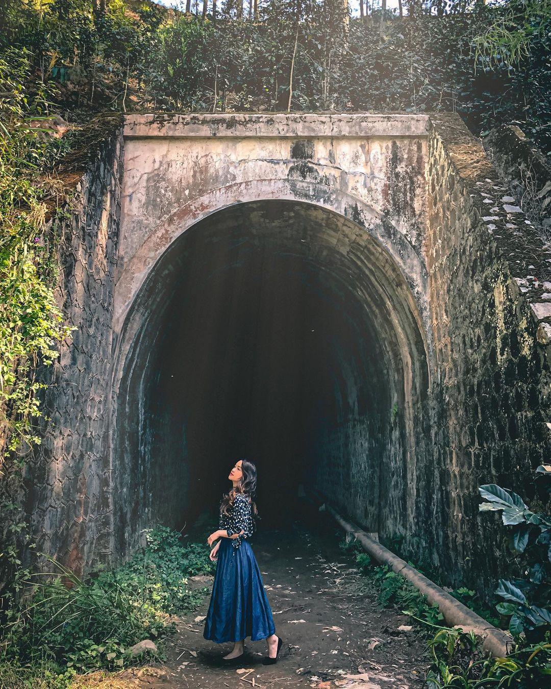 beautiful abandoned places - Da Lat railway tunnel