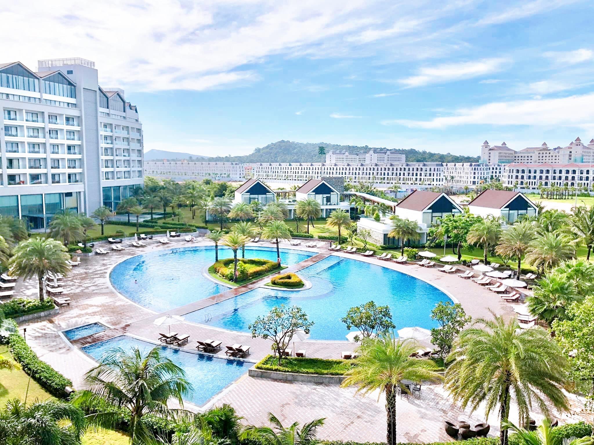 Corona resort