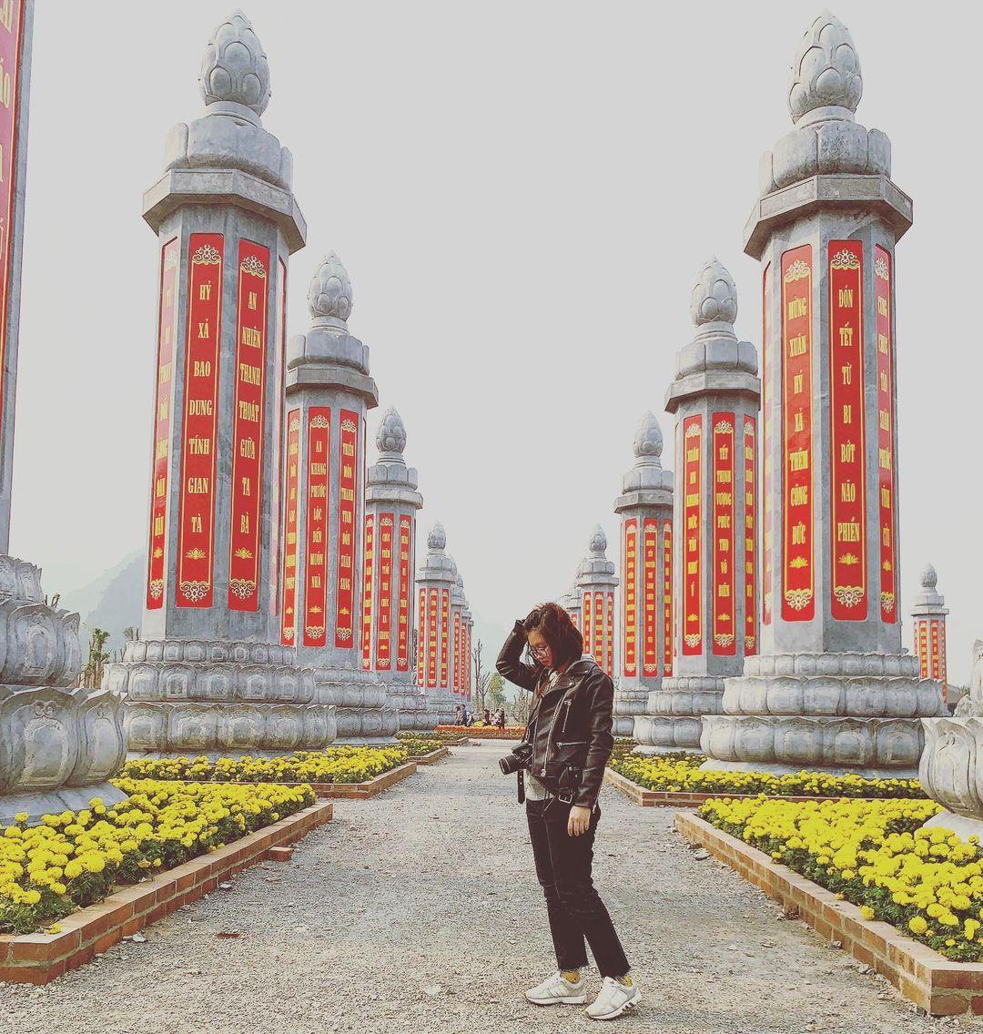 tam chuc pagoda yard