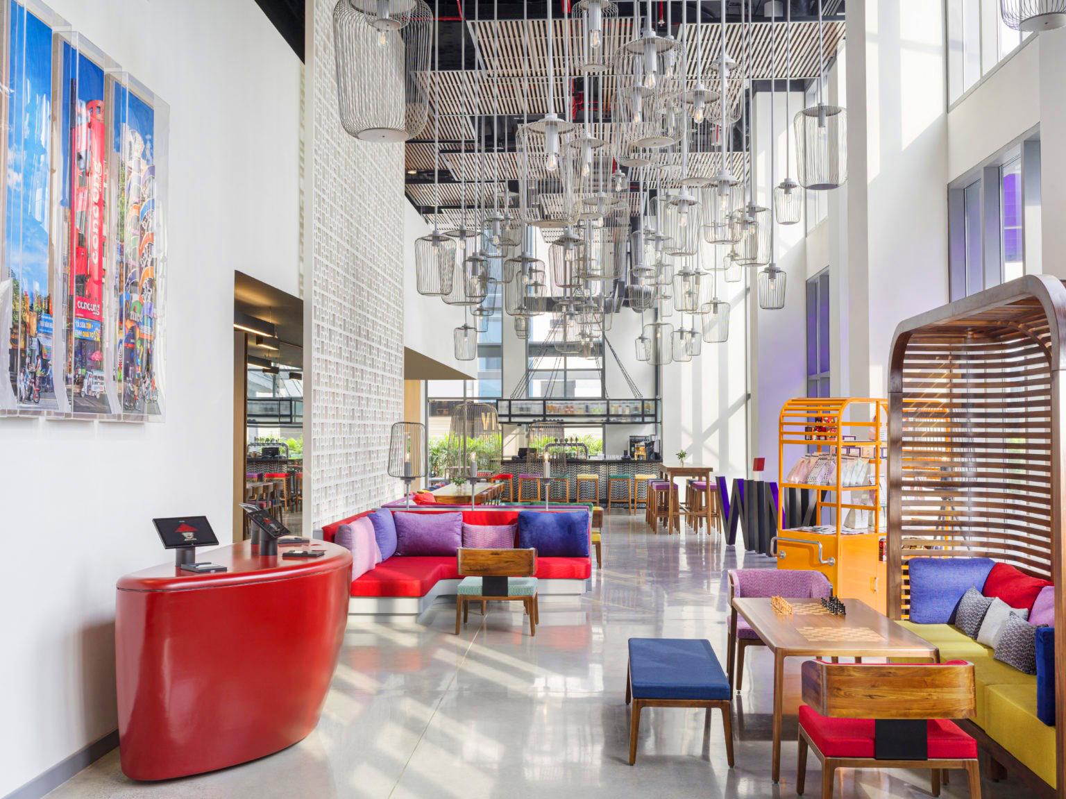 WINK HOTEL SAIGON CENTER (1)