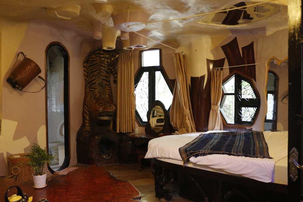 unique buildings Vietnam - crazy house overnight room
