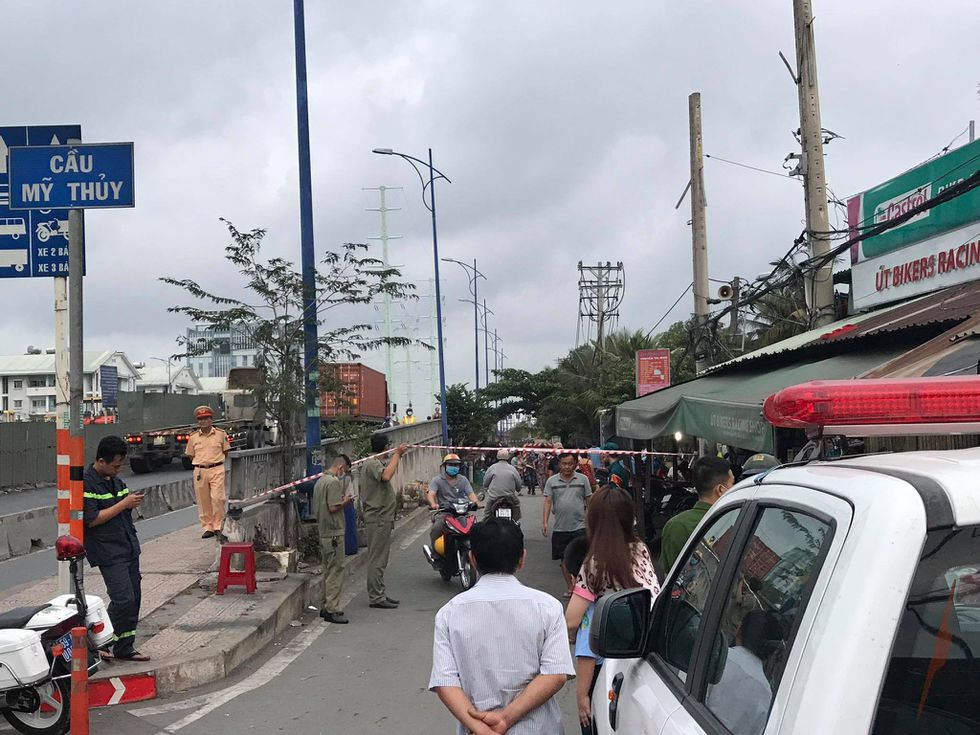 house fires in Saigon - police cordoning off site
