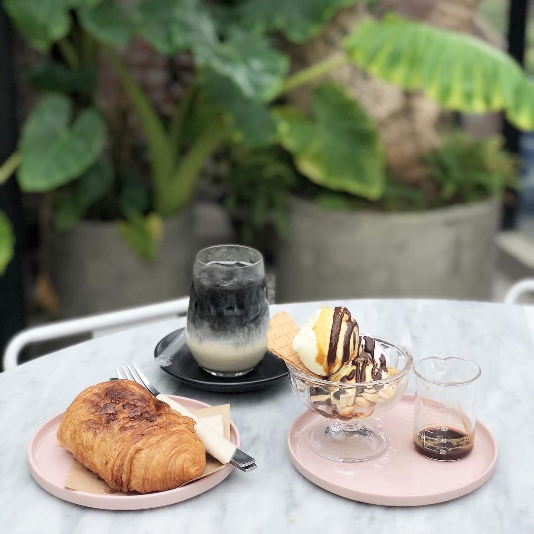unique houses Vietnam - no 1986 food drink