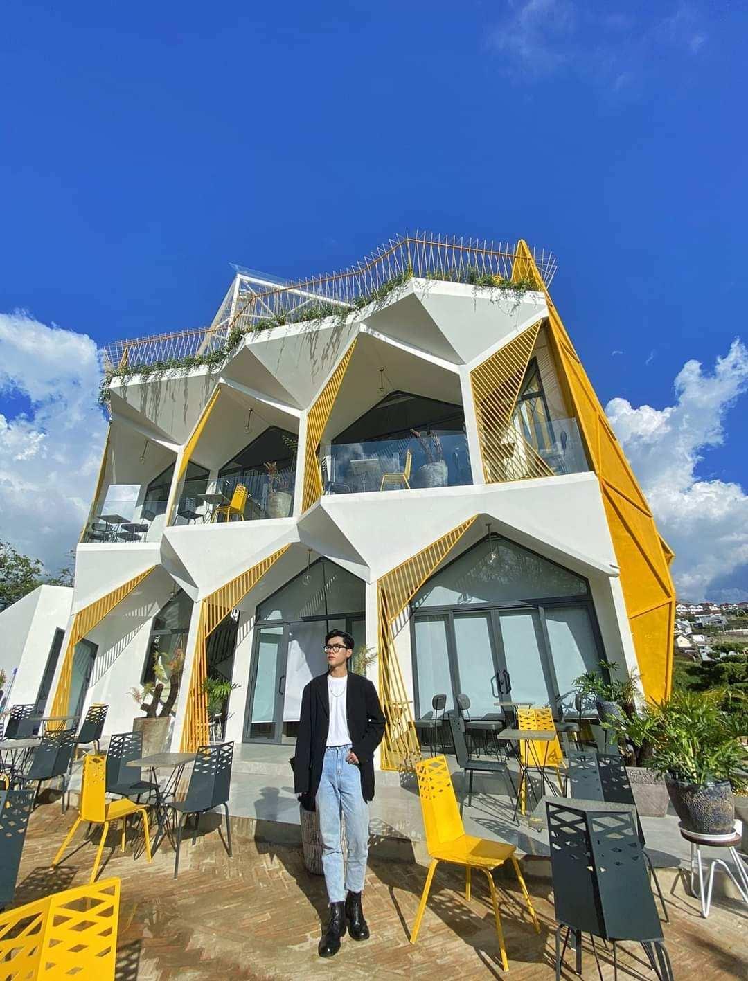 unique buildings Vietnam - orimi cafe