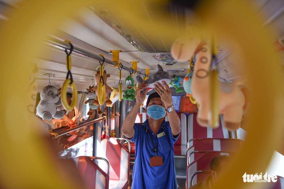 bus stuffed animals 4