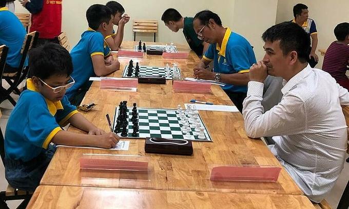 chess prodigy vs grandmaster