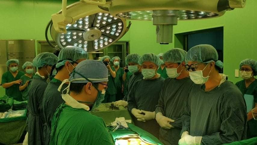doctors honor organ donor
