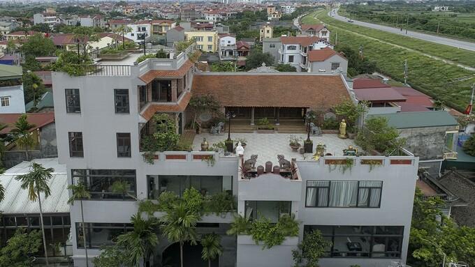 ancestral house mansion 1
