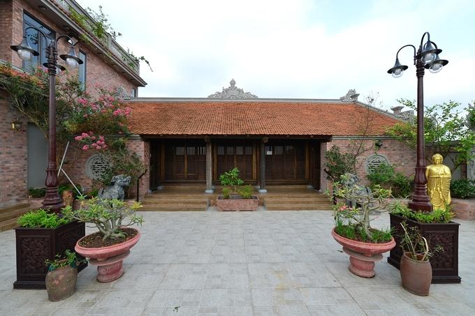 ancestral house mansion 2