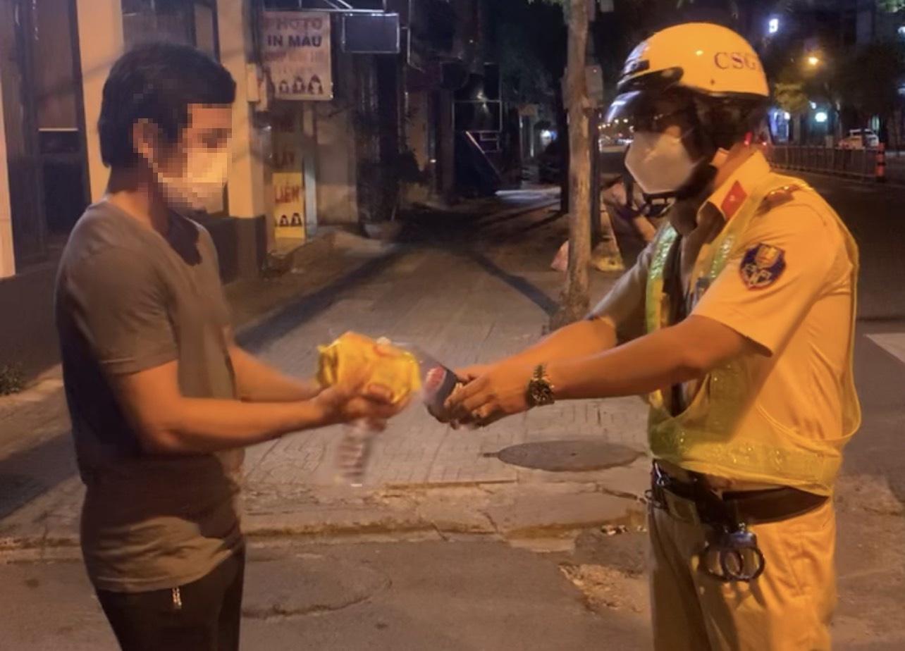 police officer homeless man