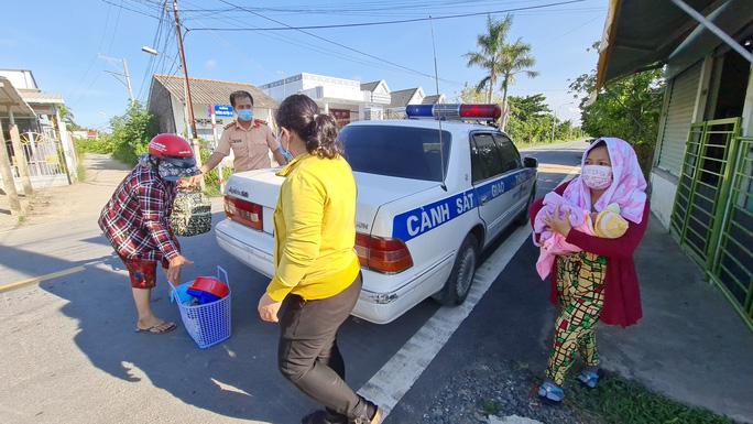 policeman drives woman home 2