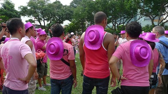 b2ap3_thumbnail_pinkdotgaysingapore.jpg