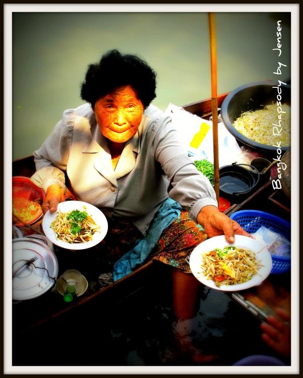 b2ap3_thumbnail_Tha-Kha-food-vendor.jpg