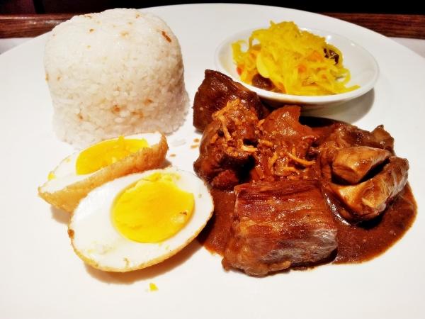 b2ap3_thumbnail_Street-Food---Adobo-Chicken-And-Pork-04.jpg