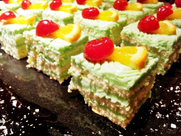b2ap3_thumbnail_Street-Food---Pandan-Cake-02.jpg