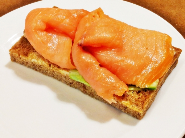 b2ap3_thumbnail_Street-Food---Salmon-Smoked-And-Cucumber-On-Sourdough-Bread-02.jpg
