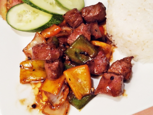 b2ap3_thumbnail_Street-Food---Bo-Luc-Lac-Beef-Luc-Lac-With-Onions-And-Capsicum-02.jpg