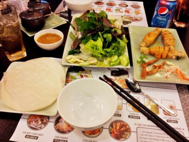 b2ap3_thumbnail_Street-Food---Chao-Tom-Cuon-Banh-Trang-Grilled-Shrimp-Paste-Rice-Paper-Roll-01.jpg