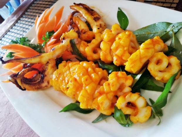 b2ap3_thumbnail_Street-Food---Muc-Nupng-Muoi-Ot-Grilled-Squid-01.jpg
