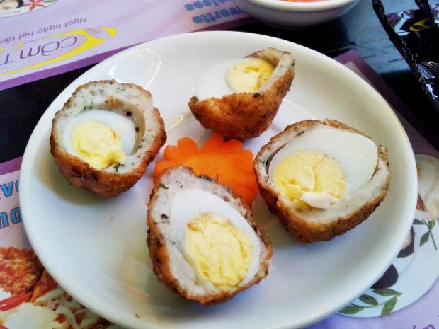 b2ap3_thumbnail_Street-Food---Vien-Cha-Ca-Boc-Trung-Cut-Quail-Egg-Breaded-With-Fish-Paste.jpg