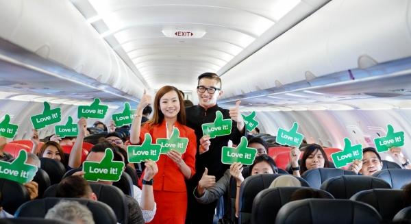 b2ap3_thumbnail_AirAsia-Low-Res128A.jpg
