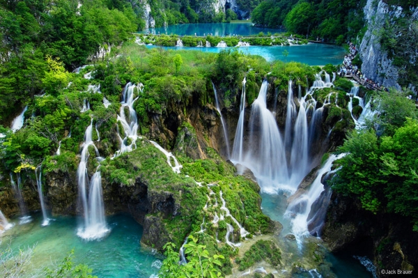 b2ap3_thumbnail_02-plitvice-lake-national-park.jpg