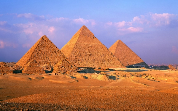 b2ap3_thumbnail_Great-Pyramid-of-Giza-1800x2880.jpg