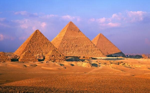 b2ap3_thumbnail_Great-Pyramid-of-Giza-1800x2880.jpg