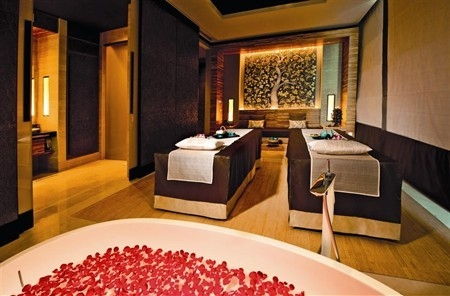 b2ap3_thumbnail_banyan-tree-spa-mbs_deluxe-double-spa-suite-2_photo-credit-marina-bay-sands-2.jpg