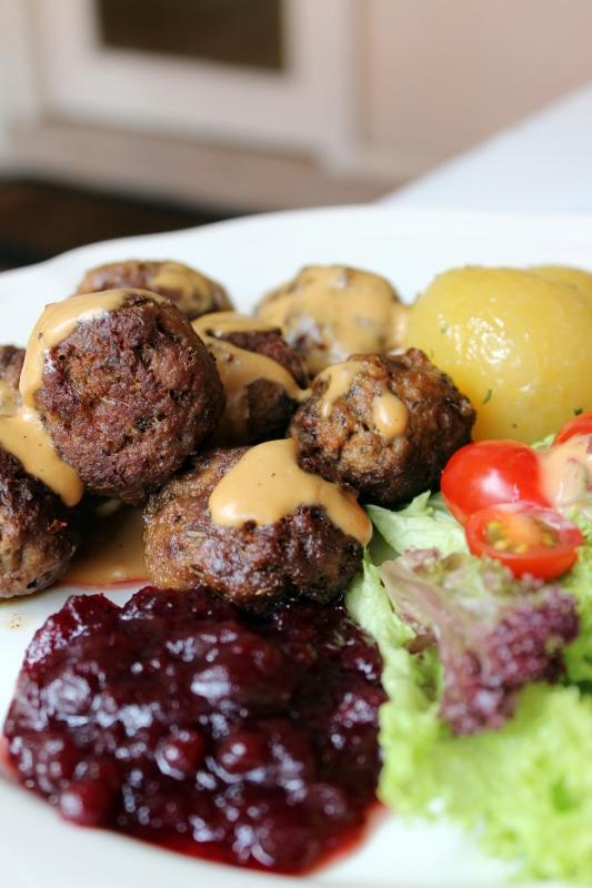 b2ap3_thumbnail_fika-swedish-meatballs.jpg