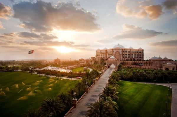 b2ap3_thumbnail_SetWidth2000-Emirates-Palace-exterior-sunset.jpg
