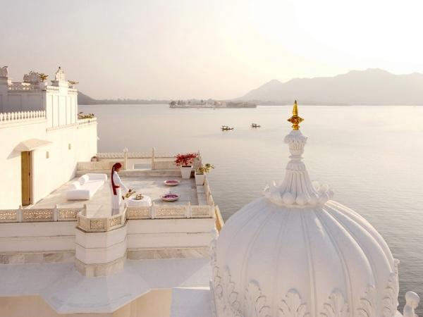 b2ap3_thumbnail_cn_image_3.size.taj-lake-palace-udaipur-rajasthan-udaipur-india-108677-4.jpg