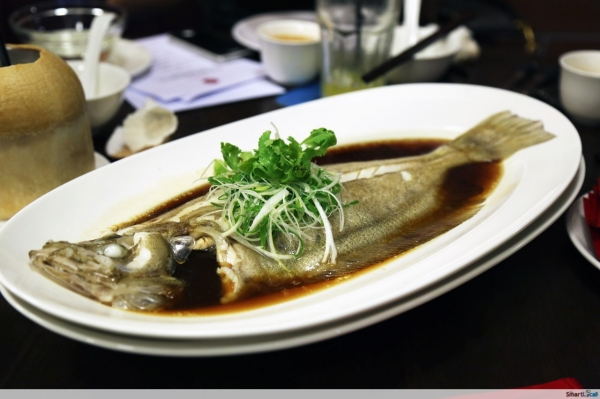 b2ap3_thumbnail_Red-House-Seafood-Garlic-Steamed-Megrim-Fish.JPG