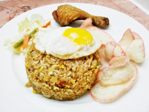 b2ap3_thumbnail_Street-Food---Nasi-Goreng-Istimewa-02.jpg