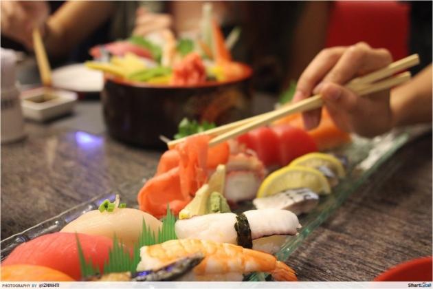 Sushi and sashimi platter Edo Kaiten