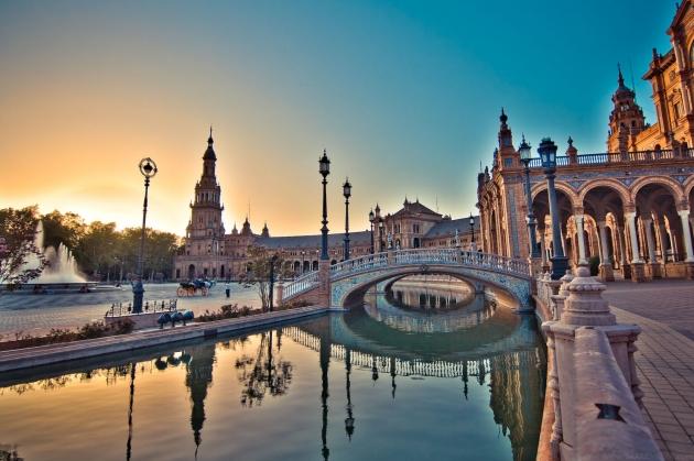 b2ap3_thumbnail_Plaza_de_Espana_Seville_Spain.jpg