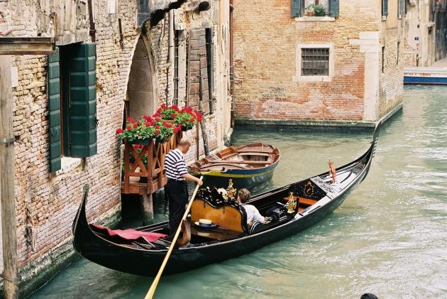 b2ap3_thumbnail_Venice-Canal-Veneto-Italy-15.jpg