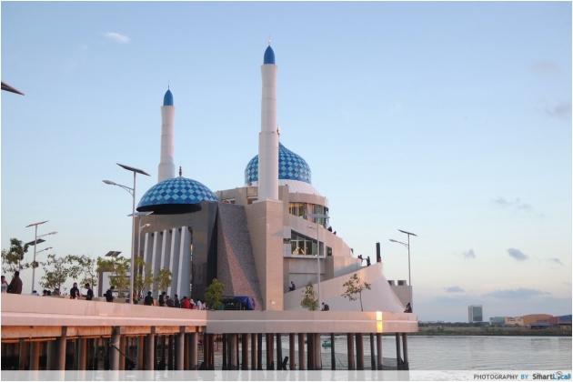 b2ap3_thumbnail_floating-mosque.jpg