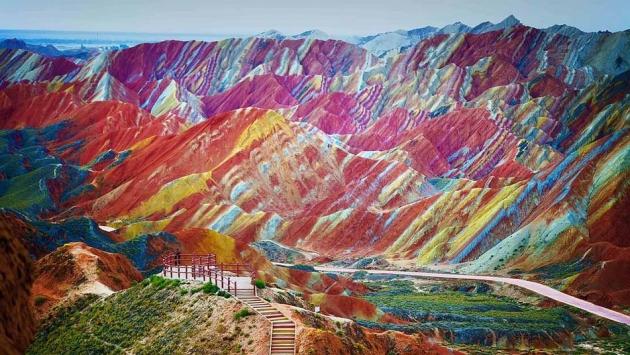 b2ap3_thumbnail_rainbowmountains.jpg