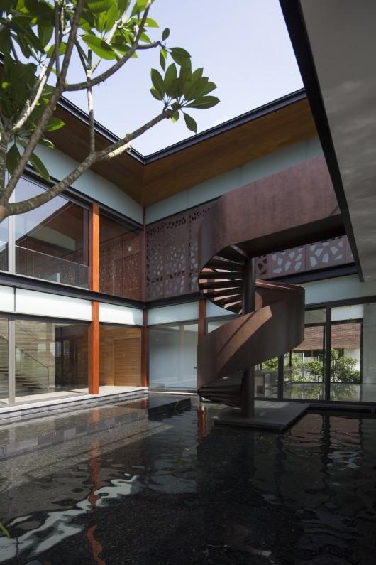 b2ap3_thumbnail_Hillside-House-2.jpg