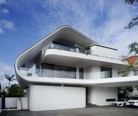 16 GORGEOUS Singapore Homes You Need To See To Believe on roof wood house, tangga house, steep slope on a green house, sky tree house, sky building house, the manor house, gazebo house, la jolla razor house, sky does minecraft house, riverside house, shipping container guest house, sky blue house, game room house,