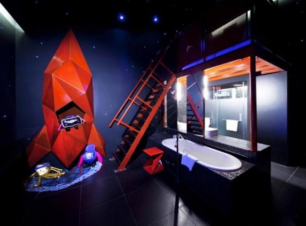 b2ap3_thumbnail_wanderlust-spaceship-room.jpg