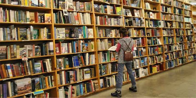 b2ap3_thumbnail_powells-bookstore-cheap-dates-and-old-books.jpg