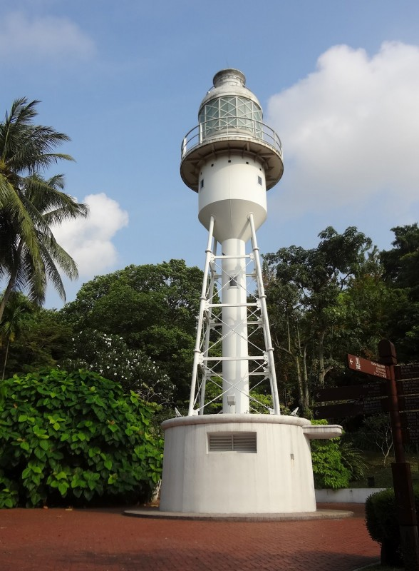 b2ap3_thumbnail_20120629054-Singapore-Fort-Canning-Park-Lighthouse-2.jpg