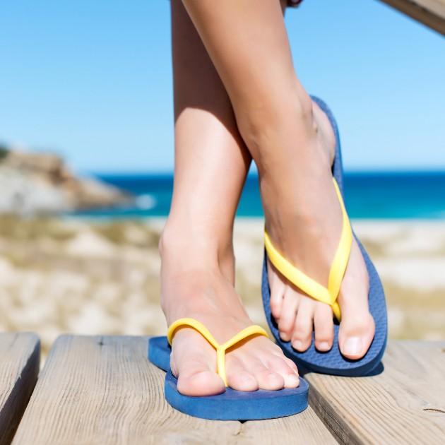 b2ap3_thumbnail_flipflop-sandal-summer-beach.jpg
