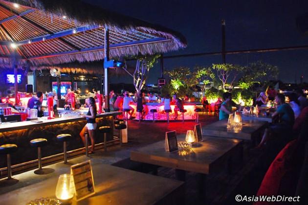 b2ap3_thumbnail_sky-garden-rooftop-lounge-gallery2.jpg