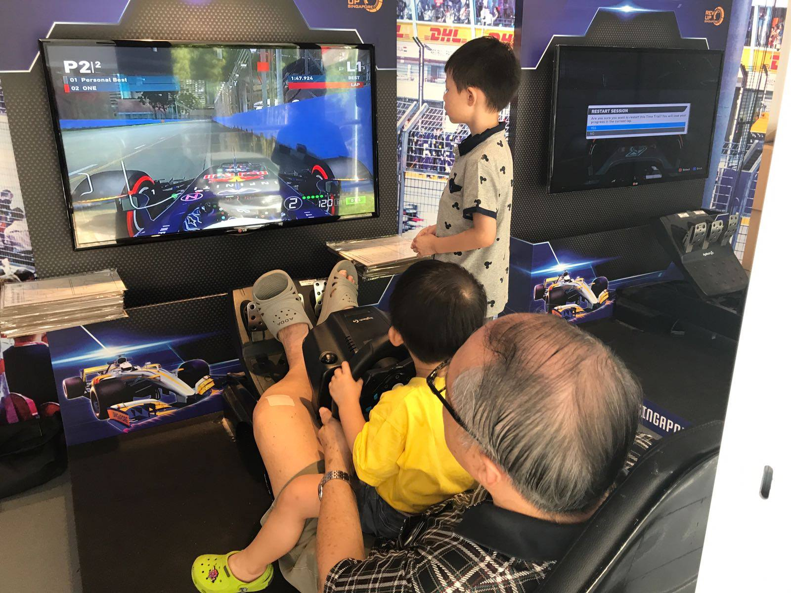 F1 Singapore 2018 - Race Simulators
